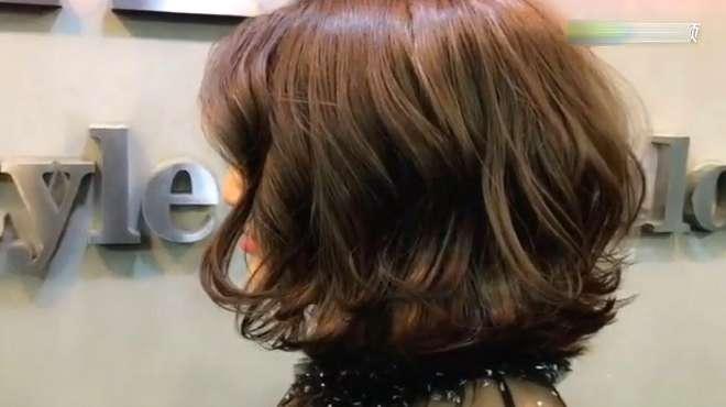 姐姐刚烫的短发真是太漂亮了,懒人发型,不用打理哦