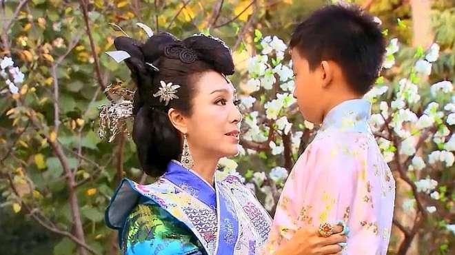 大小姐喜欢上心机女的儿子,对他爱不释手,还背着心机女喊她娘